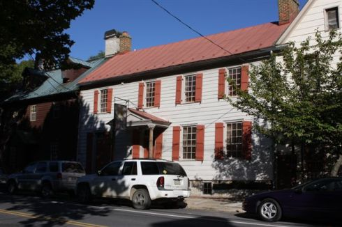 view of the front of the inn from Loudoun Street